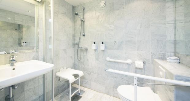 Hotel con bagno per disabili